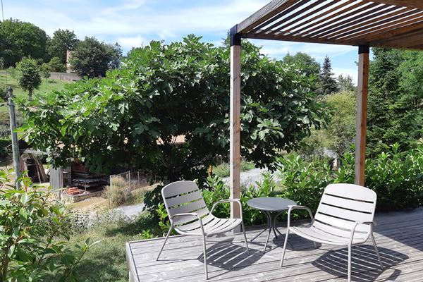 excellent_sarlat_sylvia_terrasse_vue_small