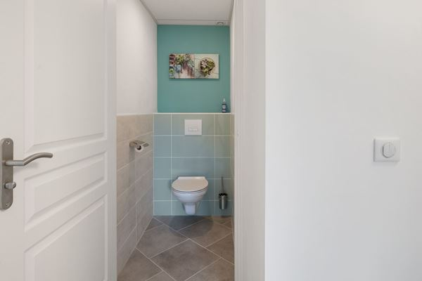 holidayhome-sarlat-dordogne-sylvia-toilet_1