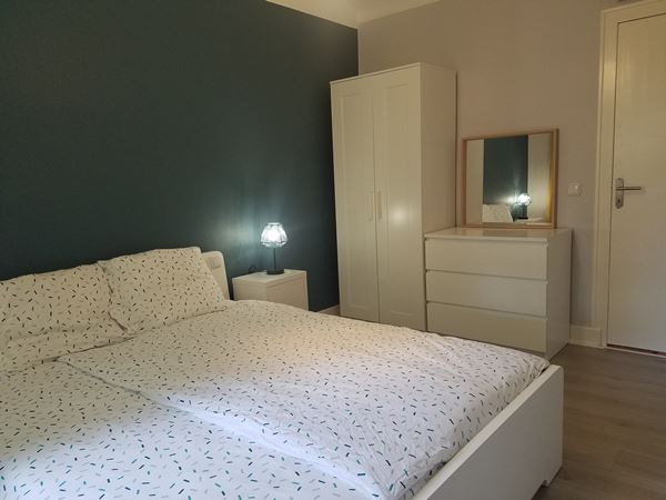 excellent_sarlat_gite_desmond_slaapkamer1-kast_600x450