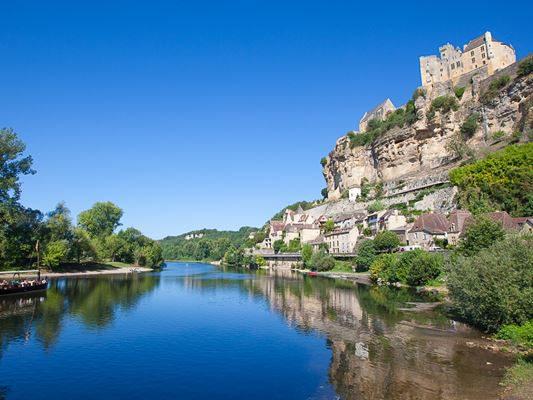 kasteel_beynac_gabares_dordogne_533x400